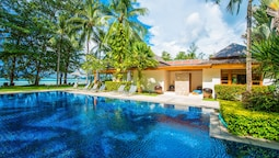 Charming Beachfront Villa on Bangtao