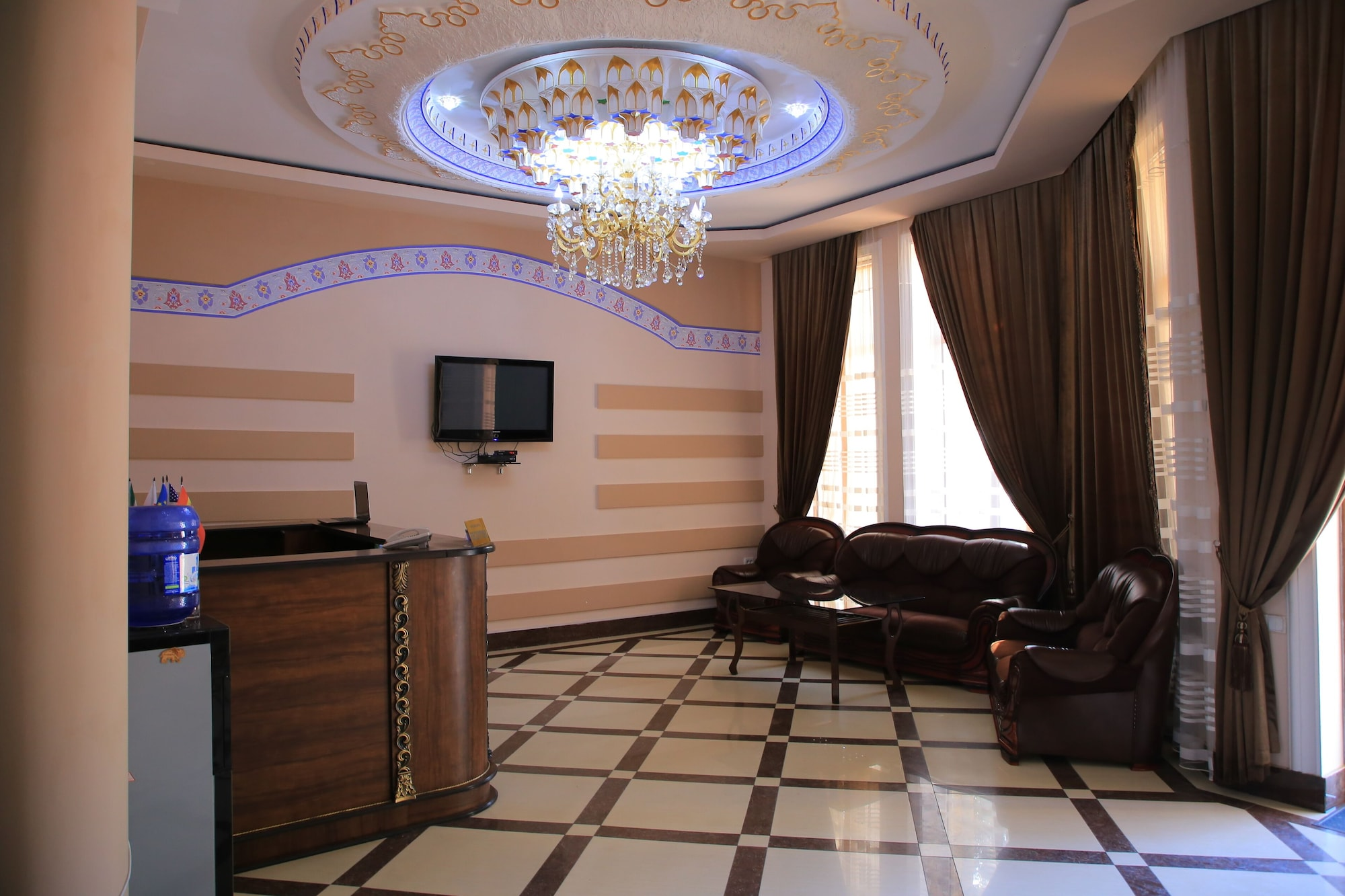 RAYKHAN HOTEL, Oqdaryo
