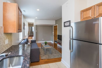Fairmount 2 br Apt With Parking Near ART Museum