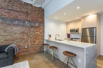 Steps From Jefferson - New Boutique Building - Center City