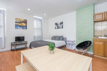 Chic Studio Located in the Heart OF South Street