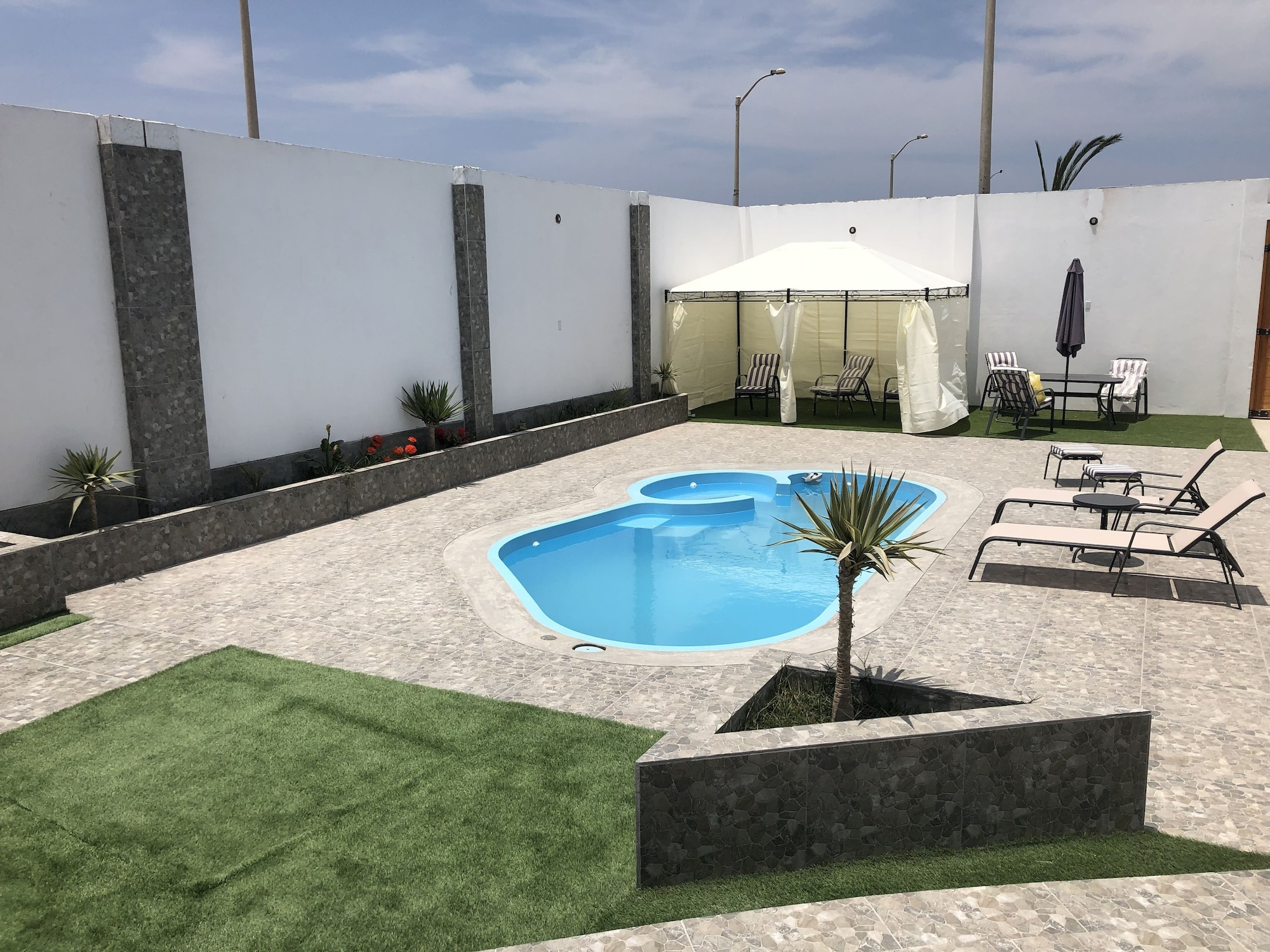 New House by The Beach, Pisco