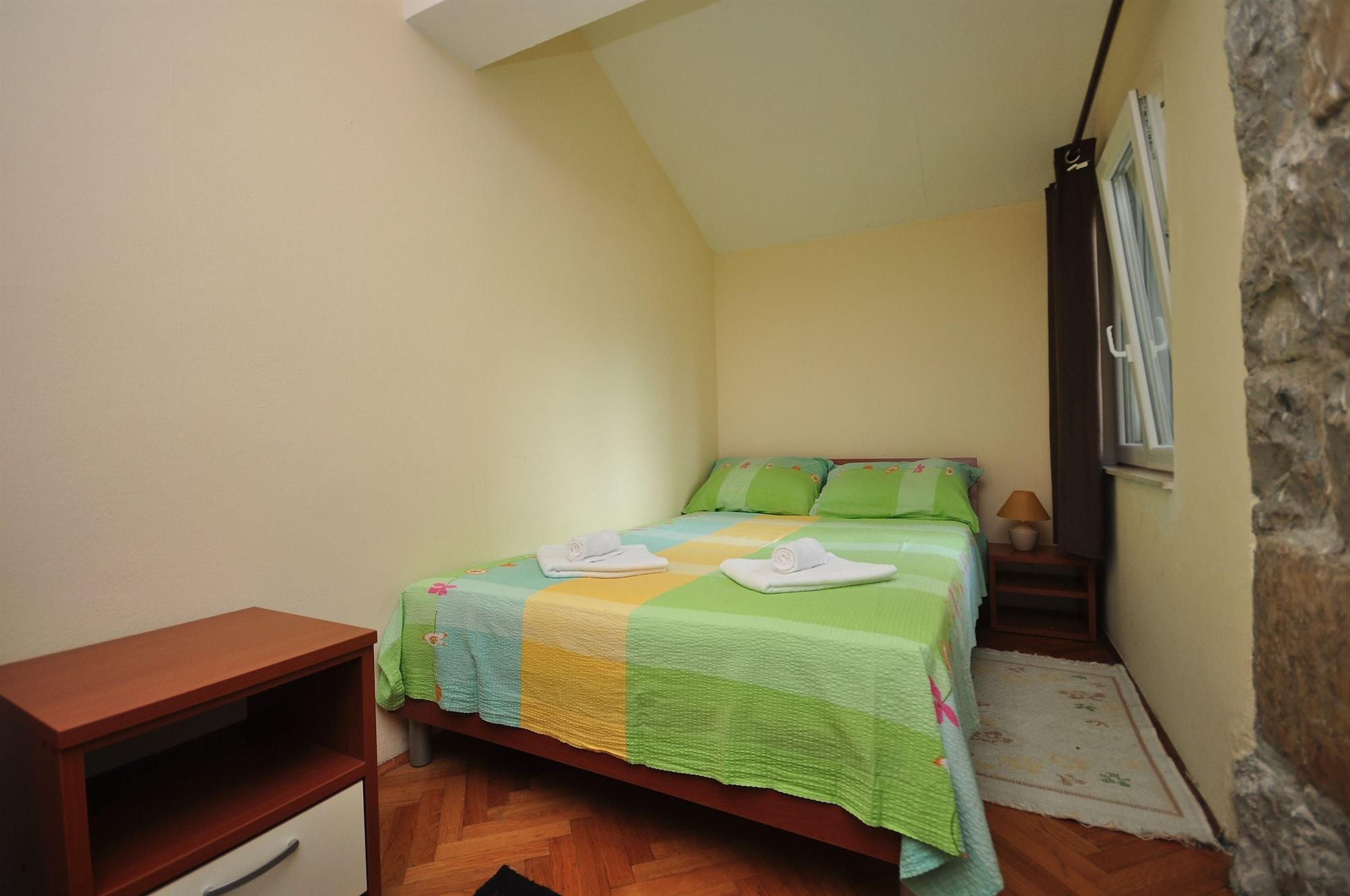 Apartment Jere, Omiš