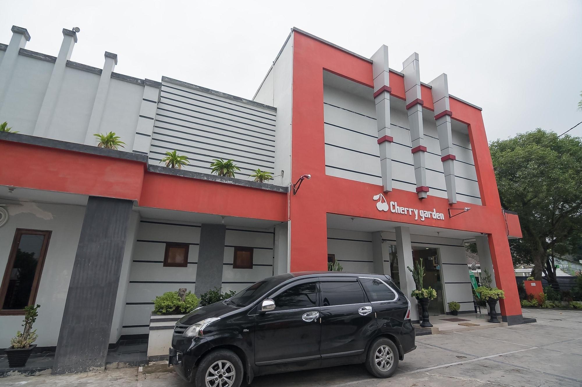 RedDoorz Plus @ JL KH Wahid Hasyim Medan, Medan