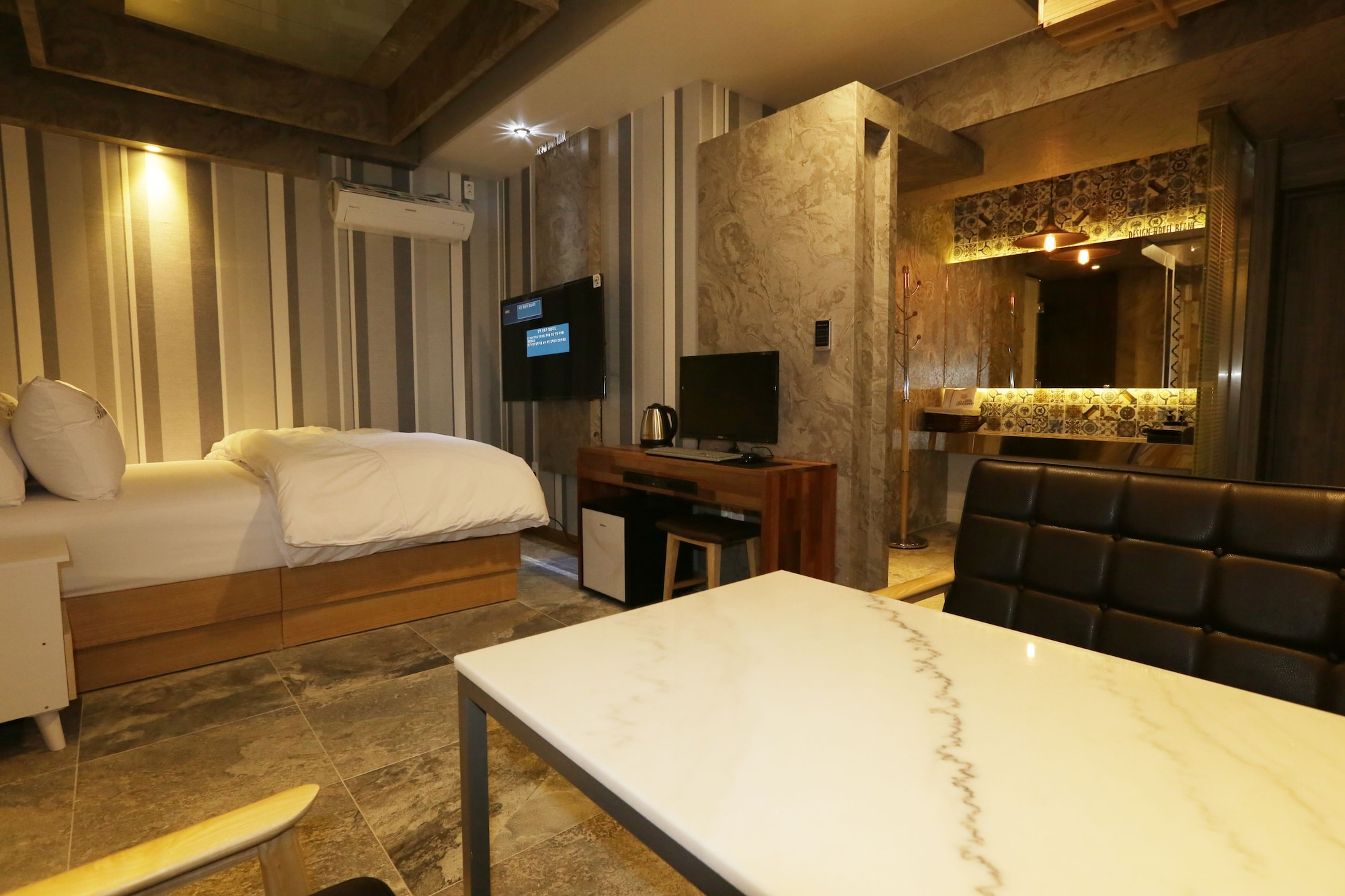 Design Hotel Blanc, Buk