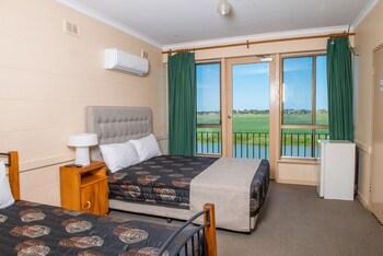 河畔飯店汽車旅館 Riverside Hotel Motel
