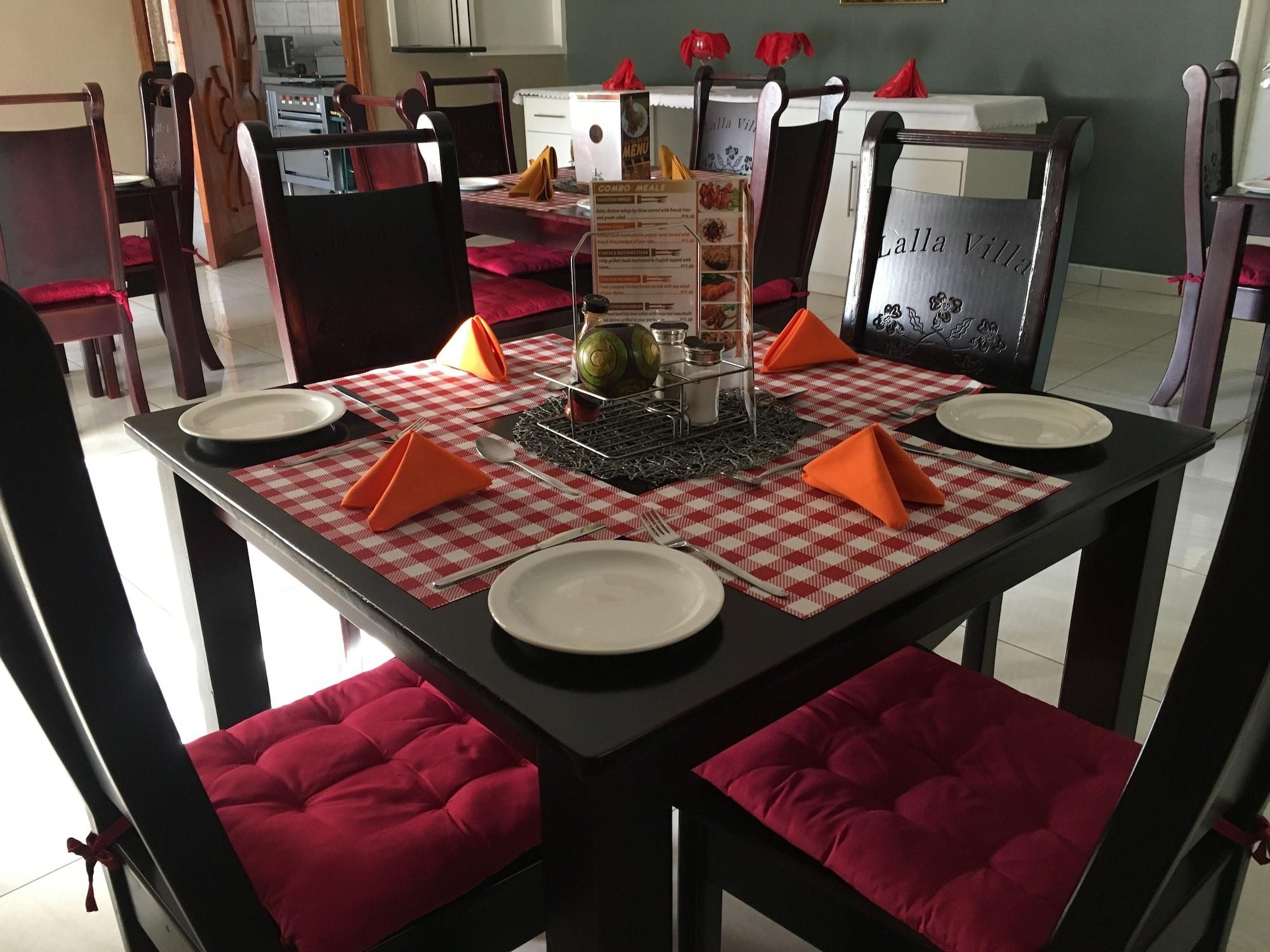 Lalla Villa Guest Lodge, Lethlakane