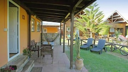 Bungalow With 2 Bedrooms in Tarifa, With Wonderful Mountain View, Encl