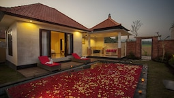 The Sawah Resort & Villa