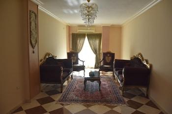 スフィ ピラミッズ ゲスト ハウス