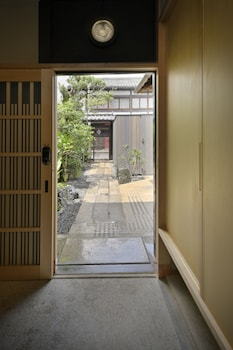 KYO NO ONDOKORO NISHIJIN VILLA #5 Interior Entrance