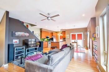 Modern Marvel - Luxurious 3BR House in DT Denver