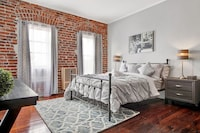 Classic Studio, 1 Queen Bed with Sofa bed