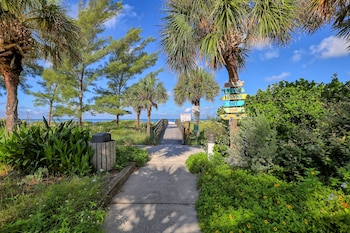 海灘步道旅館 BeachTrail Lodging
