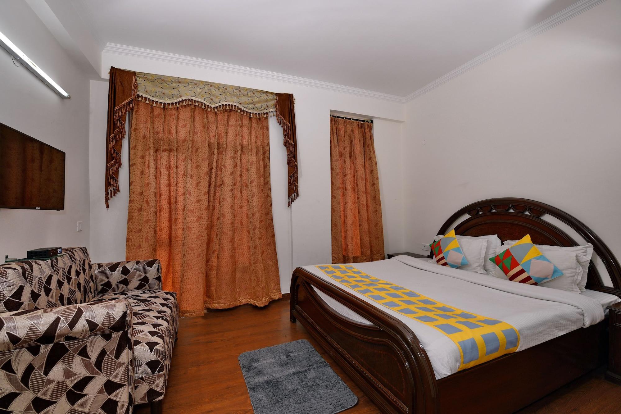 OYO Home 39479 Decent Studio Sehatpur, Faridabad