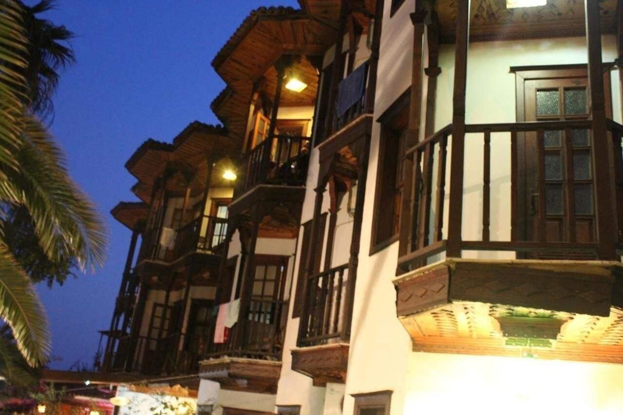 Orkide Apart Hotel, Ula