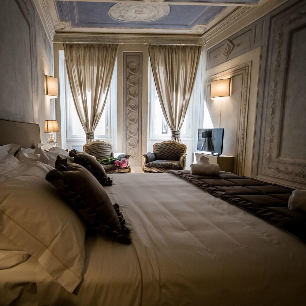 https://i.travelapi.com/hotels/39000000/38450000/38443500/38443458/1d08cf48_z.jpg