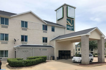 羅阿諾克-北沃思堡凱藝套房飯店 Quality Inn & Suites Roanoke - Fort Worth North