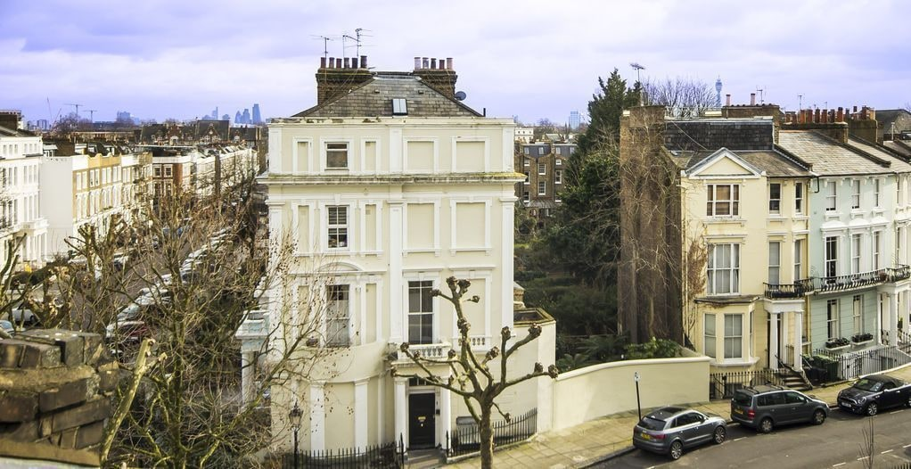 Stylish and Chic Regents Park Two bed, London