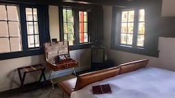 Deluxe Double Room (the Tanner)