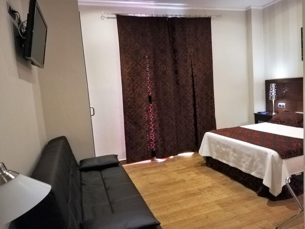 LB Lebrija Hotel