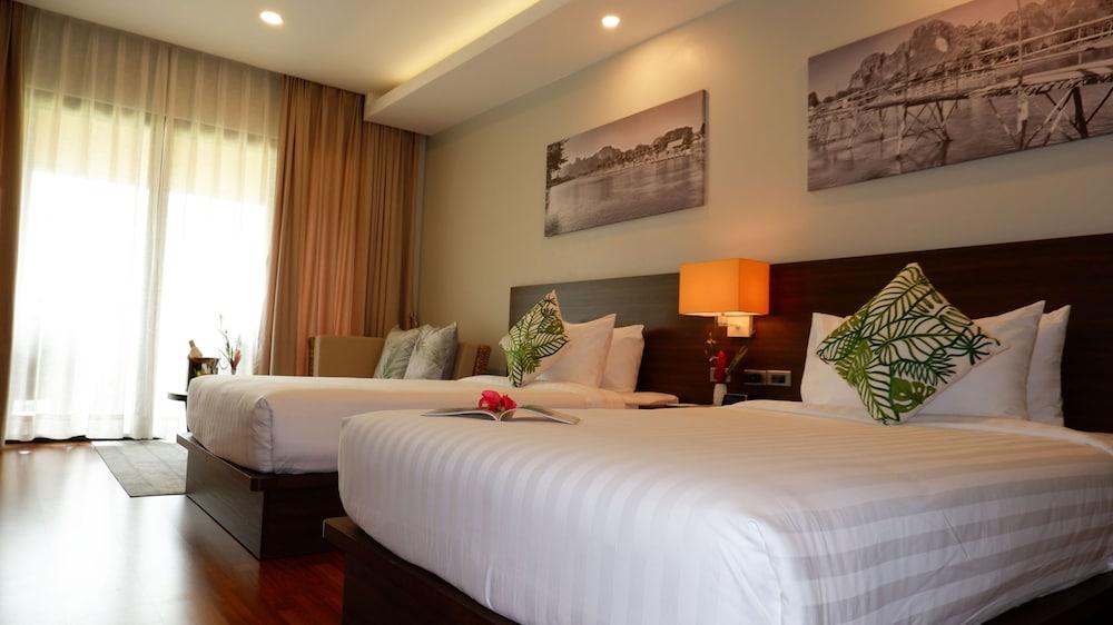 https://i.travelapi.com/hotels/39000000/38720000/38715700/38715629/c4f19548_z.jpg