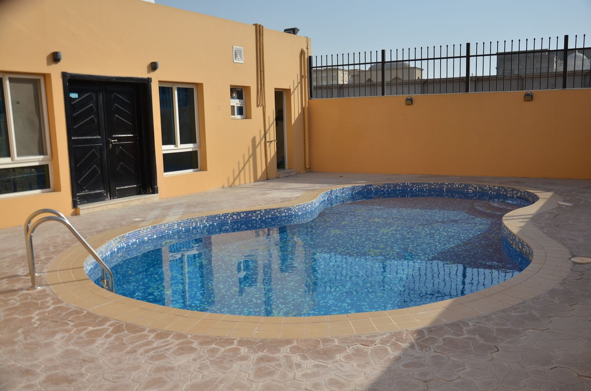 Luxury & spacious villa - Al Kharathiyat