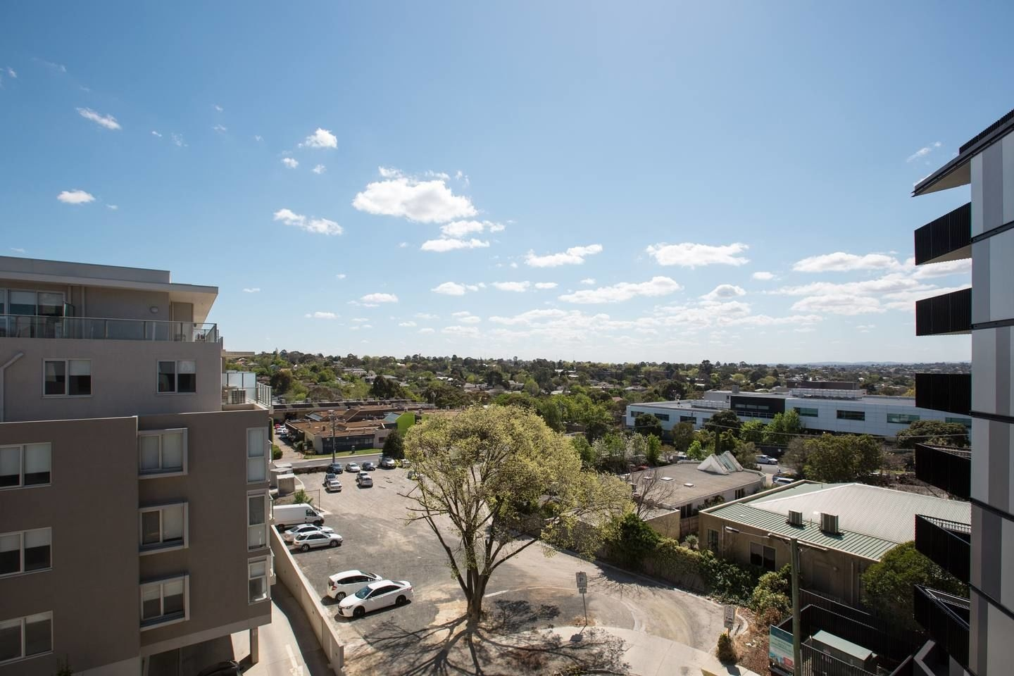 61 Boutique One-bedroom Boxhill Central Mall, Whitehorse - Box Hill