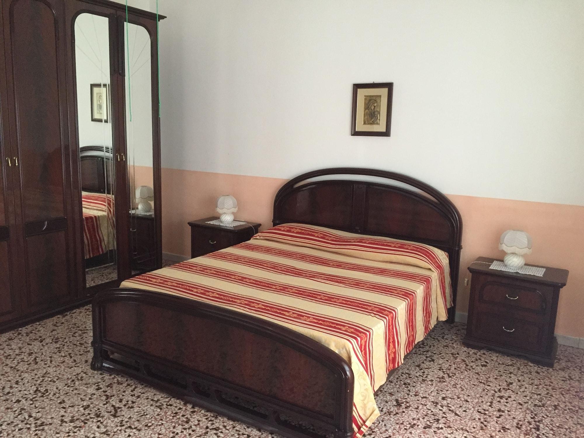 Villetta Alessandra, Lecce