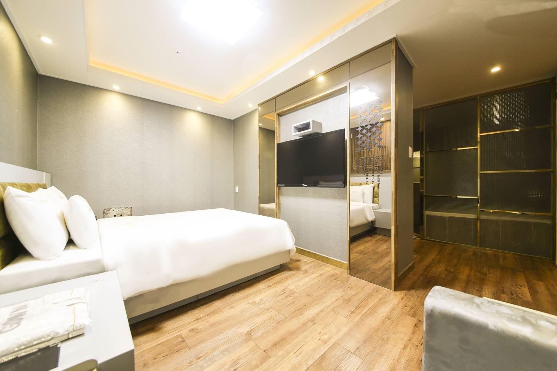 Bobos Hotel, Cheonan