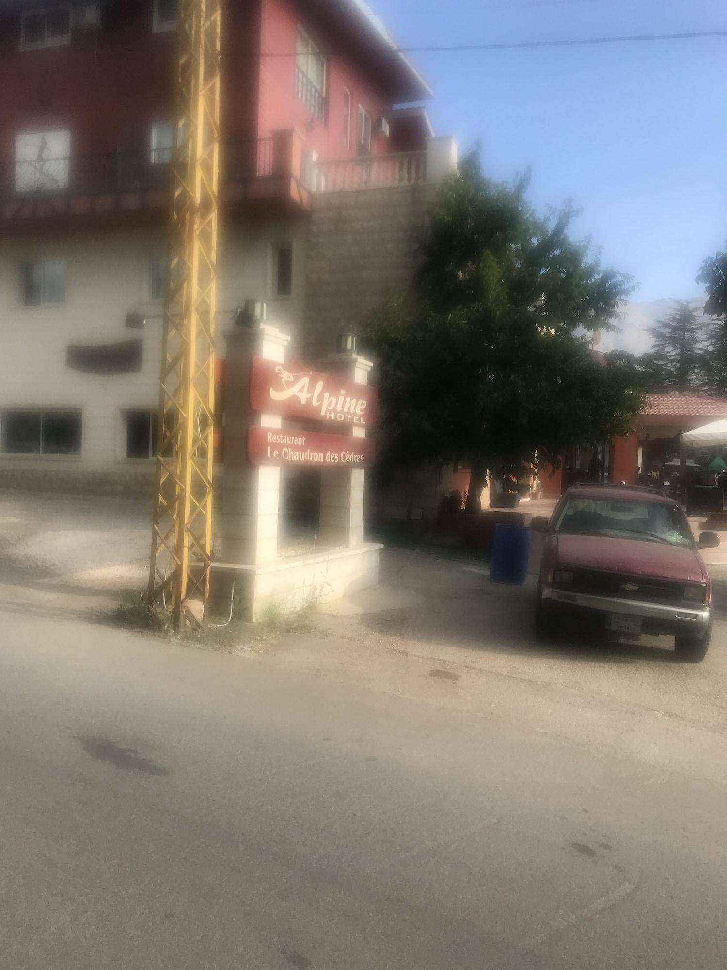 Alpine hotel cedars, Bcharre