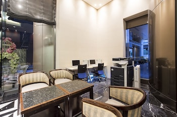HOTEL VILLA FONTAINE TOKYO-ROPPONGI Lobby Sitting Area