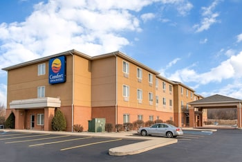 Hotel - Comfort Inn & Suites Near Indiana Dunes State Park