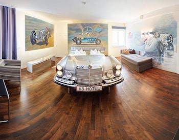 V12 Mercedes Suite