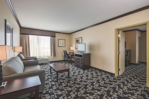Motel 6 Joshua TX, Johnson