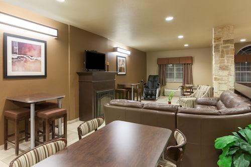 . Microtel Inn & Suites by Wyndham Searcy