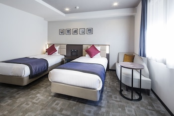 Deluxe Twin Room (2 Single Beds), Non Smoking (Eco Plan - No Linen Services)