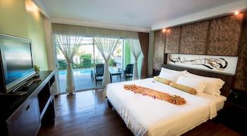Suite (Pool Suite)