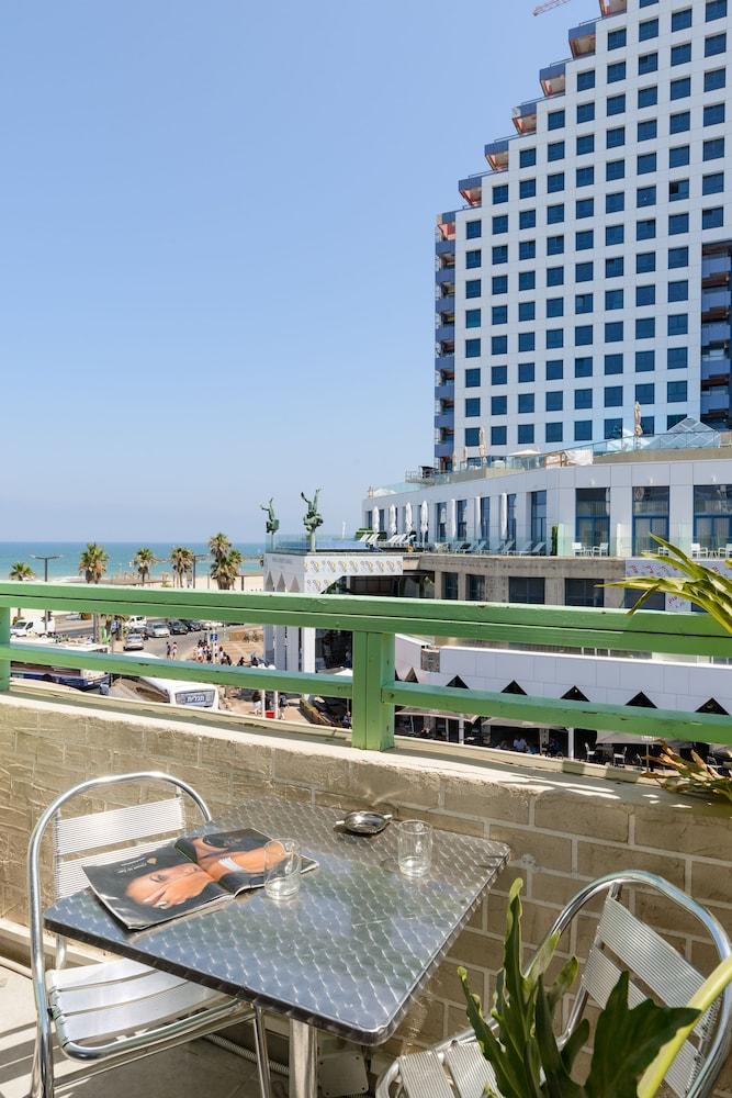 Liber Seashore Suites,