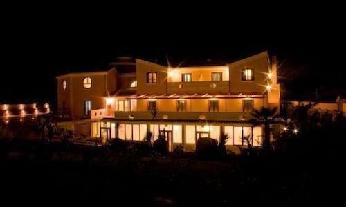 . Hotel Raffael