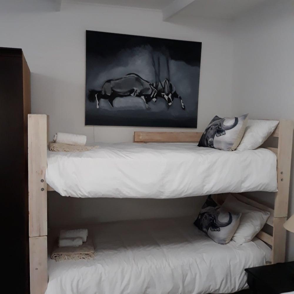 라 보헴 베드 앤드 브렉퍼스트(La Boheme Bed and Breakfast) Hotel Image 14 - Guestroom