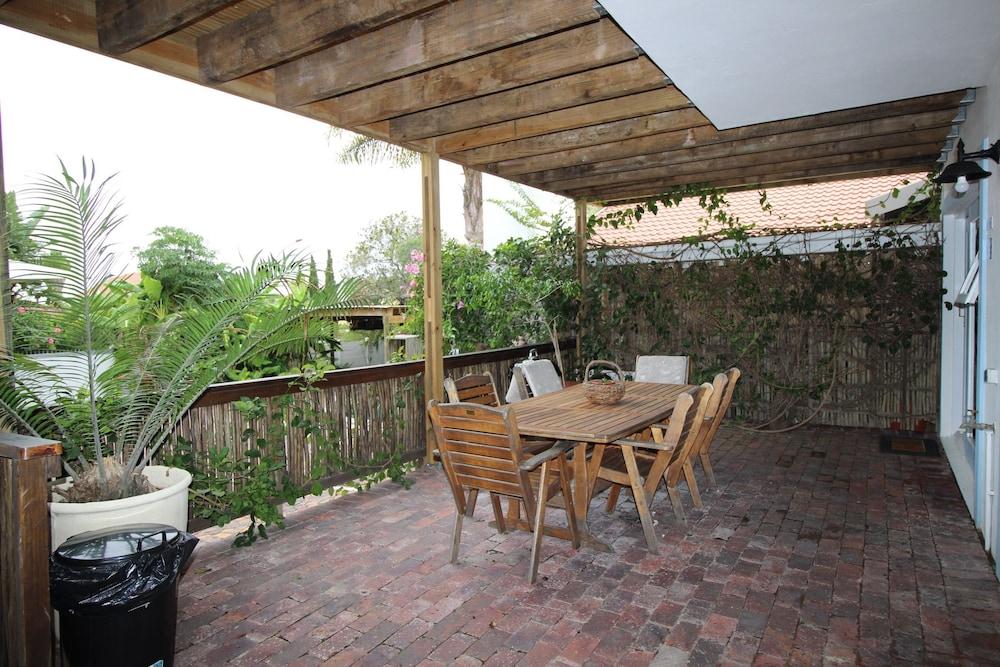라 보헴 베드 앤드 브렉퍼스트(La Boheme Bed and Breakfast) Hotel Image 20 - Terrace/Patio