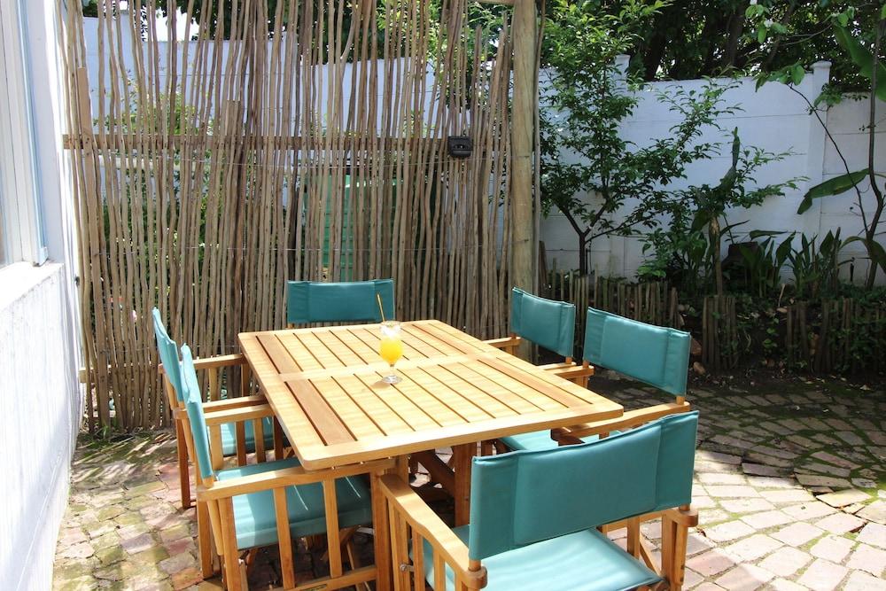 라 보헴 베드 앤드 브렉퍼스트(La Boheme Bed and Breakfast) Hotel Image 23 - Terrace/Patio