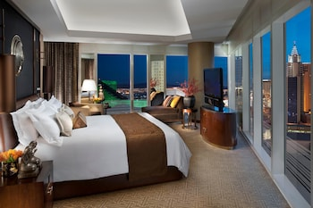 Suite, 1 King Bed (Penthouse)