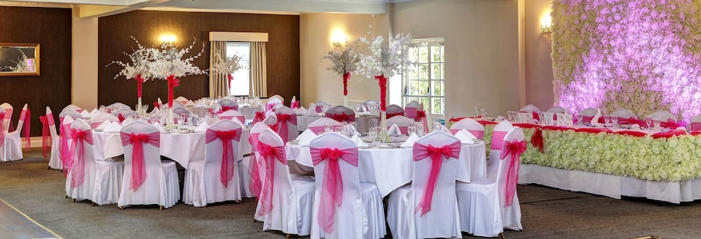 베스트 웨스턴 터록 호텔(Best Western Thurrock Hotel) Hotel Image 38 - Indoor Wedding