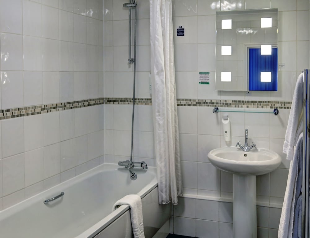 베스트 웨스턴 터록 호텔(Best Western Thurrock Hotel) Hotel Image 24 - Bathroom