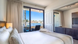 Executive Two Bedroom Queen Single Apartments