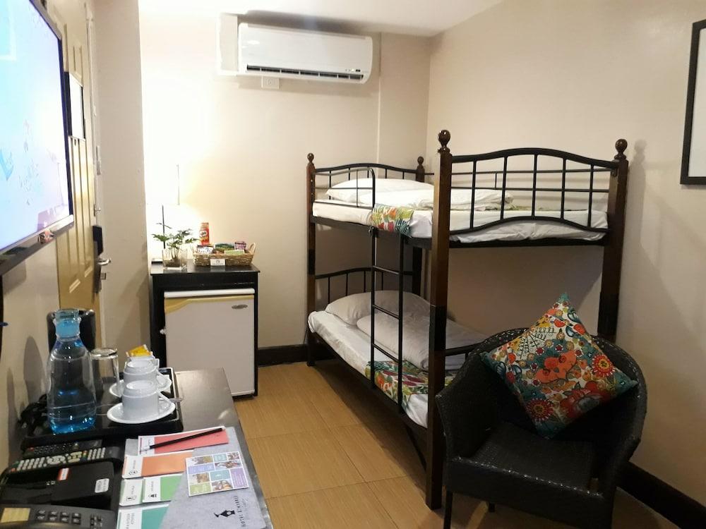 https://i.travelapi.com/hotels/4000000/3020000/3017100/3017060/8156c4b8_z.jpg