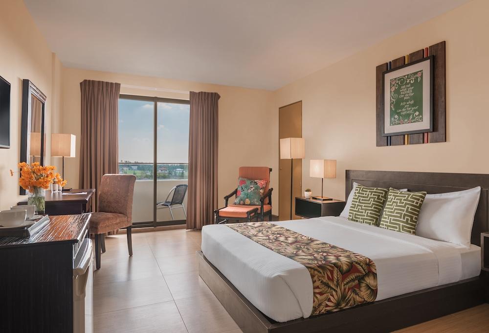https://i.travelapi.com/hotels/4000000/3020000/3017100/3017060/bf3616b6_z.jpg