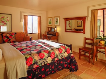 Room (Craftsman Queen with Day Bed)